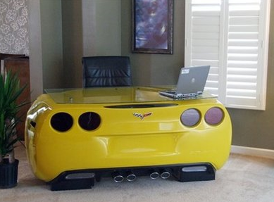 Birght yellow car desk picture.PNG