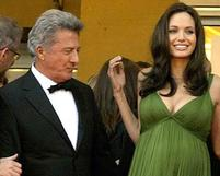 Funny pic of Dustin Hoffman staring at Angelina Jolie's boobs.JPG